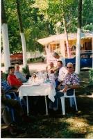 0690 - Turchia - Pranzo al lago Iznik - Giu-1996.jpg